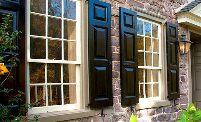 Timberlane offers 24 premium paint options that are expertly applied to our exterior shutters
